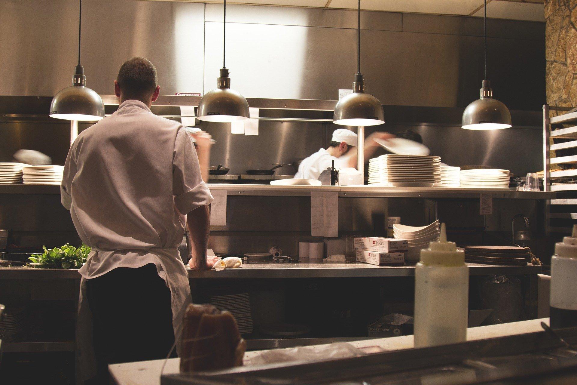 Me former pour l'ouverture future d'un restaurant 1